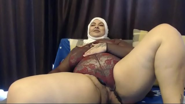 Muslim BBW Fat woman webcam masturbation
